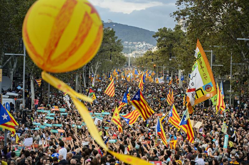 유럽연합은 카탈루냐 독립 요구, 스페인 정부의 무자비한 탄압을 모두 못 본 체 했다