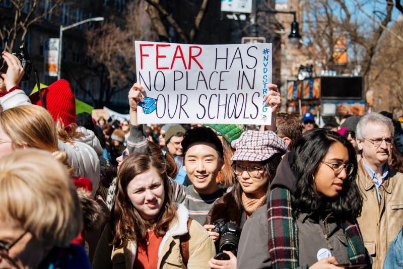 """""""우리 학교에 공포가 설 자리는 없다"""""""