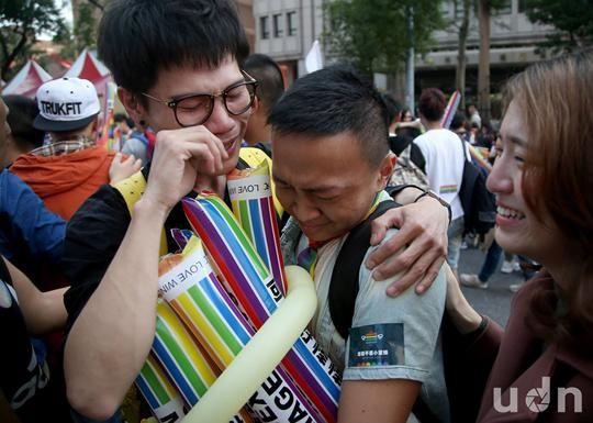동성결혼 합법화하라