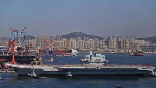 중국이최초로 자체 제작한 항공모함 진수식